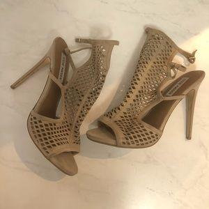 STEVE MADDEN Maylin' Caged Sandal/heels size 9